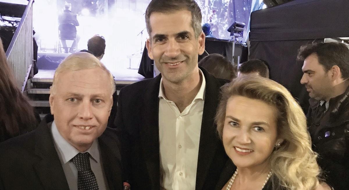 (Από αριστερά) Ο κ. Νικόλαος Μακρόπουλος, ο κ. Κώστας Μπακογιάννης & η κ. Katleen Μακροπούλου