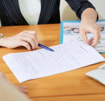 social-worker-explaining-documents